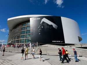 enormous-nike-ad-reminds-us-that-lebron-james-is-the-face-of-the-nba